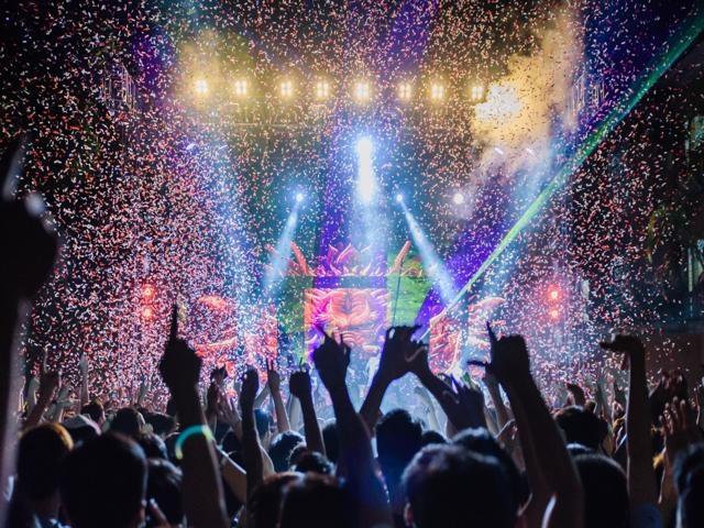 Tiệc tất niên với ý tưởng đêm nhạc EDM sôi động