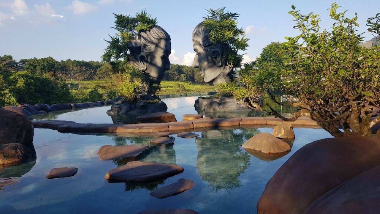 Địa điểm check in MỚI TOANH: Hồ Vô Cực Đà Lạt - Nơi tình yêu bắt đầu