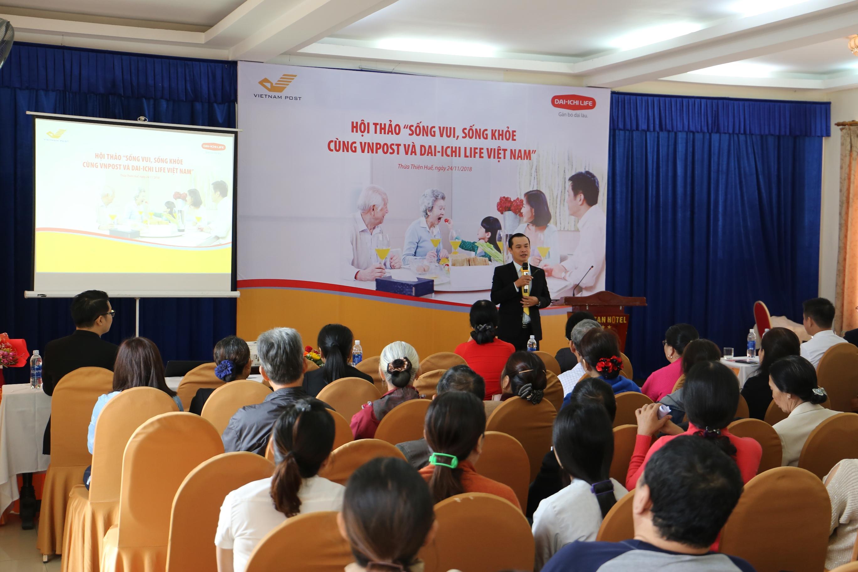 Dai-ichi Life Việt Nam và VNPost phối hợp tổ chức Hội thảo sức