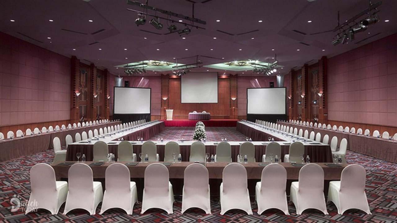 Một trong những phòng hội nghị sang trọng ở khách sạn Melia Hà Nội